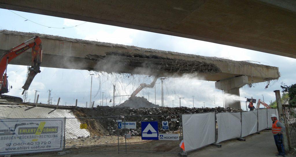 Read more about the article Abbruch Langenfelder Brücke A7
