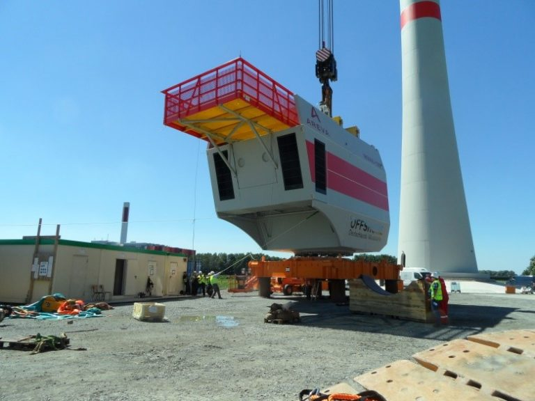 Testaufbau der Multibrid Windenergieanlage